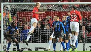 Vieira does a great job of 'marking' Vidic...