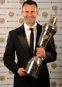 ryan giggs won the pfa player of the year award in 2009