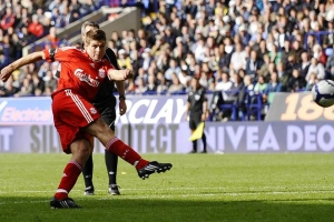 Gerrard in acres of space to score the winner.