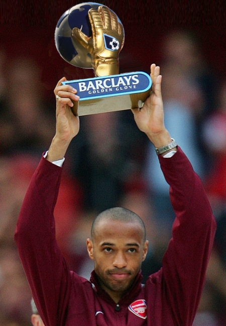 Thierry Henry handball France Ireland