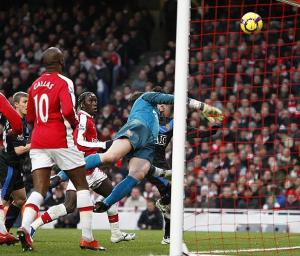 almunia arsenal man utd